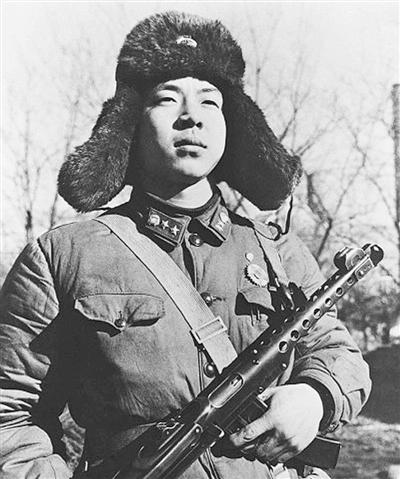 ,湖南人,中国人民解放军战士,伟大的共产主义战士,全心全意为