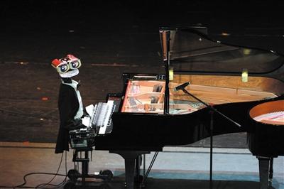 机器人与钢琴家